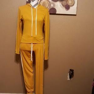 Joggers pants suit